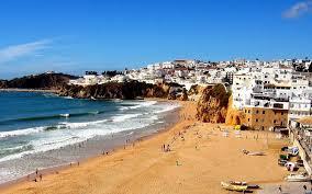 8° giorno: Pensione completa in hotel e giornata libera per il relax  per godere delle meravigliose spiagge. Cena e pernottamento. ( Albufeira )
