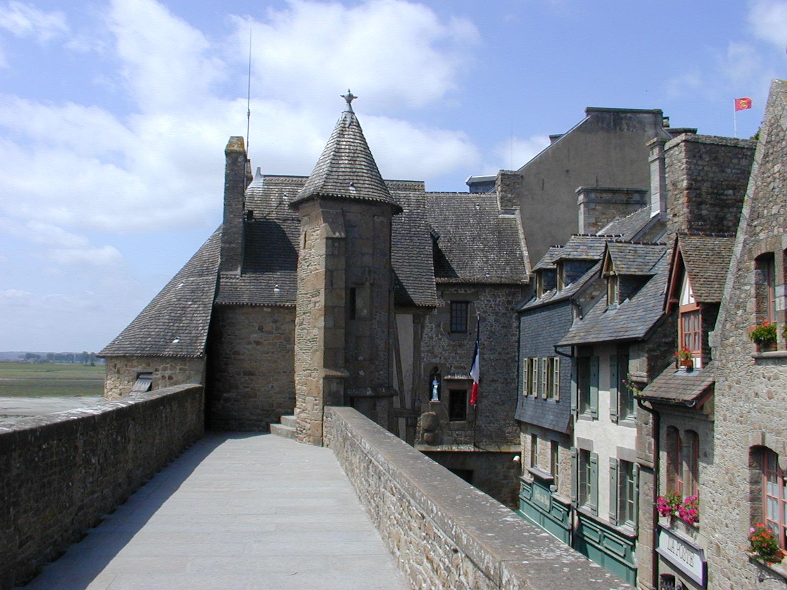 6° giorno:Dopo la colazionetrasferimento a Mont Saint-Michel