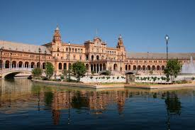 4° giorno: Colazione in hotel. Incontro con la guida per la visita della città (intera giornata) Siviglia.