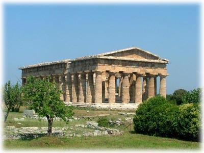 3° giorno: Dopo la colazione in hotel visita guidata del Sito archeologico di Paestum